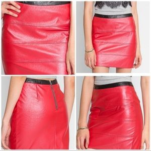 NWOT WET SEAL ON FIRE FAUX LEATHER SKIRT SIZE L
